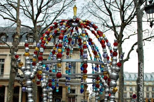 """Chiosco dei nottambuli"" di Othoniel, metropolitana Palais Royal - Parigi"