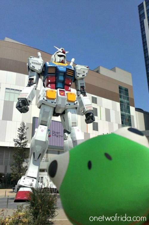 Frida e Gundam