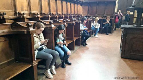 blogger al lavoro dentro San Maurizio al Monastero Maggiore