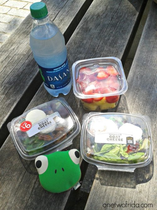 Pic nic con insalate di Whole Foods