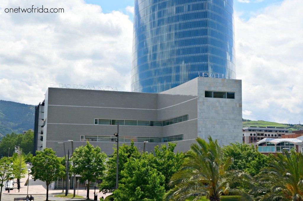 Edificio Bilbao Bizkaia di Alvaro Siza